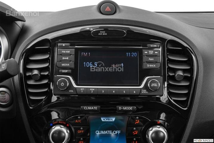 Hệ thống giải trí trên Nissan Juke 2015.