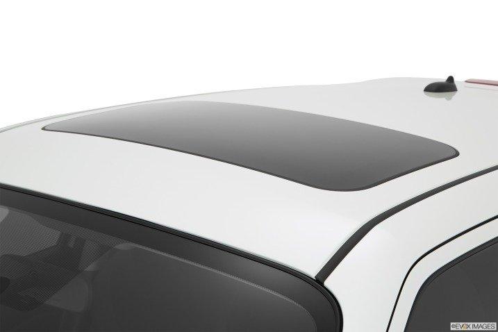 Mái xe Nissan Juke 2015.