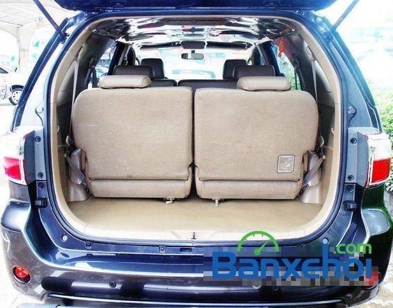 Xe Toyota Fortuner V 2009 cũ màu bạc đang được bán với giá 725000000vnd-5