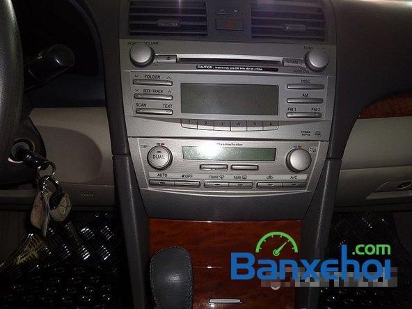 Xe Toyota Camry 2.4G 2008 cũ màu đen đang được bán với giá 820000000 vnd-10