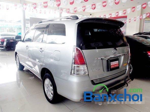 Xe Toyota Innova V 2009 cũ màu bạc đang được bán với giá 635000000 vnd-3
