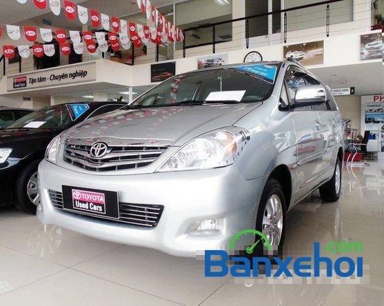 Xe Toyota Innova V 2009 cũ màu bạc đang được bán với giá 635000000 vnd-1
