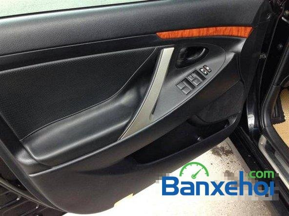 Xe Toyota Camry 2.0E 2011 cũ màu đen đang được bán-5