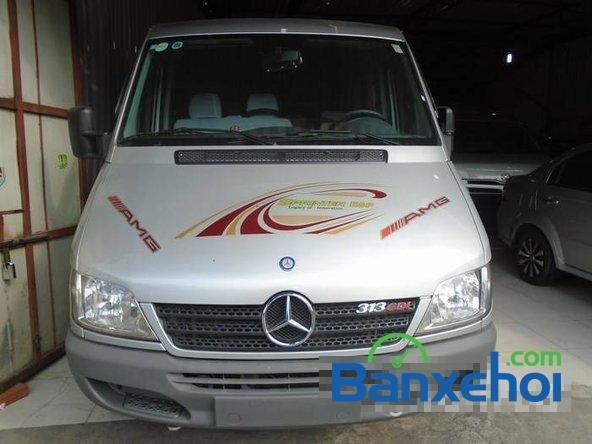 Xe Mercedes-Benz Sprinter 2012 cũ màu bạc / xám đang được bán với giá 940000000 vnd-0