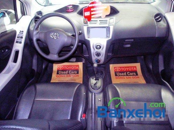 Xe Toyota Yaris 1.3 2008 cũ màu trắng đang được bán với giá 505000000 vnd-4