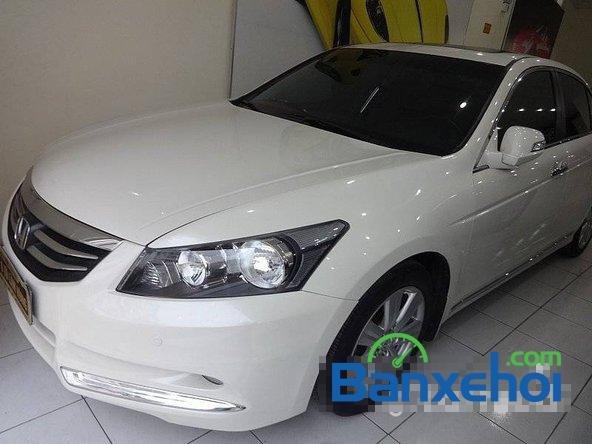 Cần bán xe Honda Accord đời 2011, màu trắng, LH chợ ô tô Lâm Hùng-0