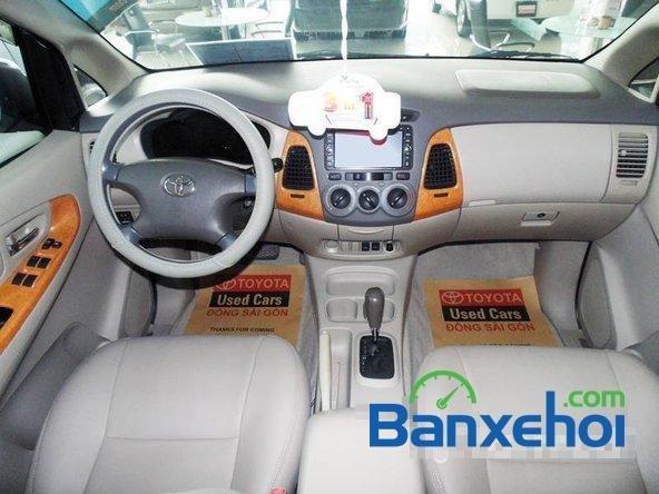 Xe Toyota Innova V 2009 cũ màu bạc đang được bán với giá 635000000 vnd-6