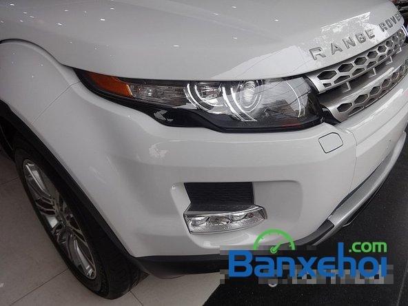 Bán ô tô LandRover Range Rover Evoque sản xuất 2012, màu trắng nhanh tay liên hệ-2