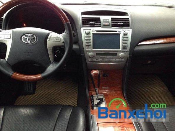 Xe Toyota Camry 2.0E 2011 cũ màu đen đang được bán-4