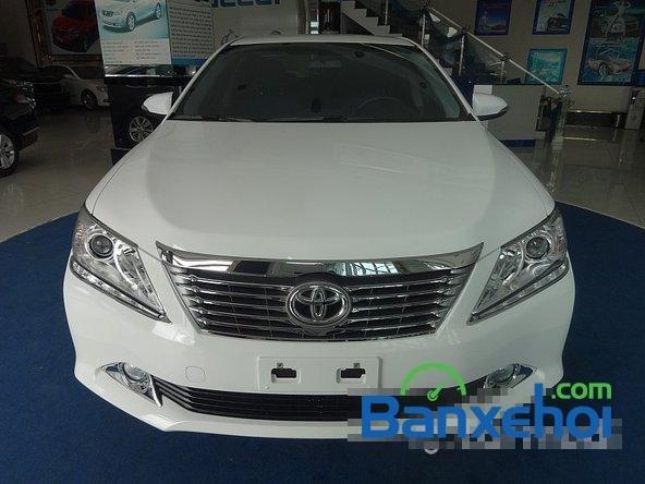 Mình cần bán xe Toyota Camry 2.0L 2014, màu trắng-0