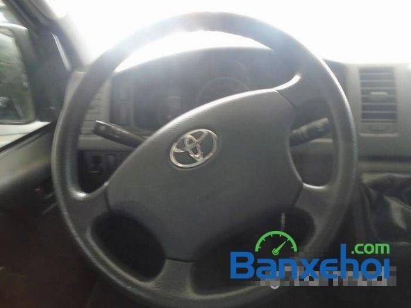 Cần bán xe Toyota Hiace đời 2011, xe đẹp như mới-6