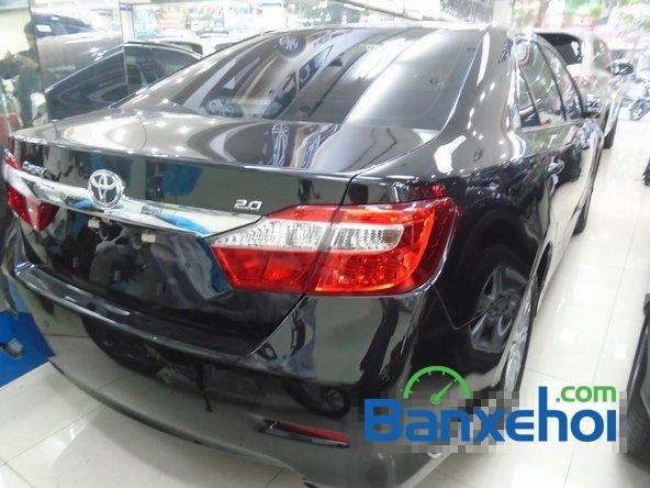 Xe Toyota Camry 2014 mới màu đen đang được bán với giá 1145000000 vnd-3