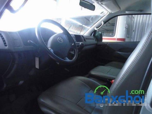 Cần bán xe Toyota Hiace đời 2011, xe đẹp như mới-4