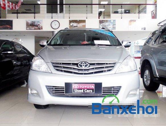 Xe Toyota Innova V 2009 cũ màu bạc đang được bán với giá 635000000 vnd-0