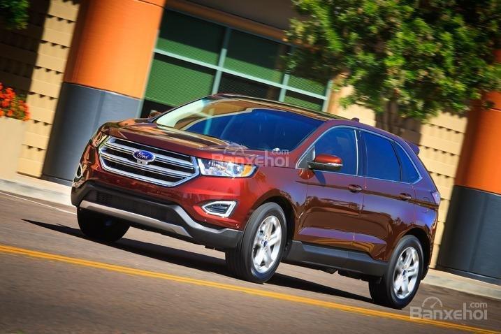Ford Edge 2015 được bổ sung tùy chọn động cơ EcoBoost V6 hoàn toàn mới.