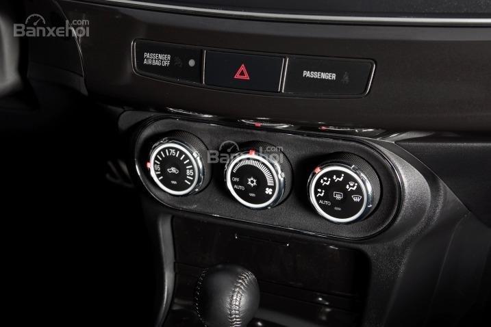 Cảm nhận nội thất xe Mitsubishi Lancer Evolution 2015
