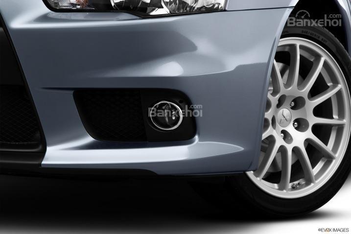 Đánh giá đèn sương mù xe Mitsubishi Lancer Evolution 2015