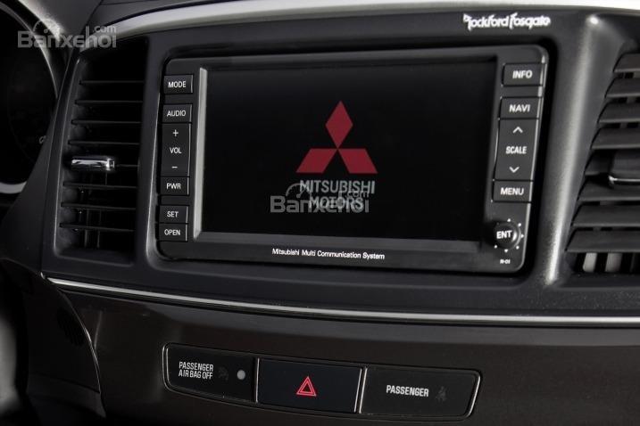 Cảm nhận tiện nghi xe Mitsubishi Lancer Evolution 2015