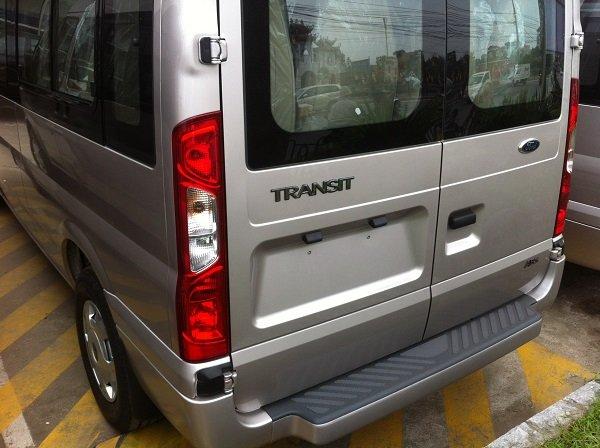 Cần bán Ford Transit đời 2015, màu bạc, giá 815 triệu-3