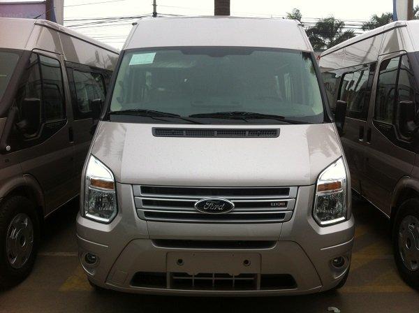 Cần bán Ford Transit đời 2015, màu bạc, giá 815 triệu-0