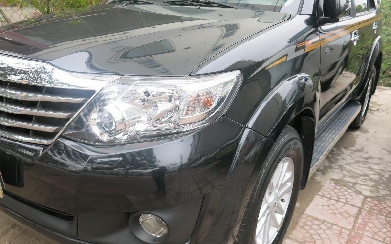 Cần bán lại xe Toyota Fortuner đời 2013, màu đen -2