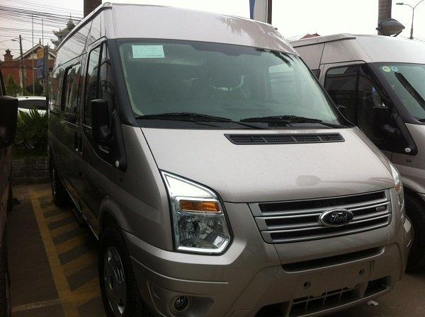 Cần bán Ford Transit đời 2015, màu bạc, giá 815 triệu-1
