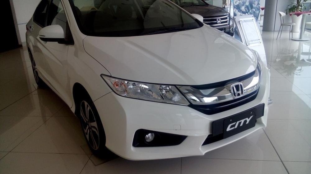 Cần bán Honda City đời 2015, màu trắng, xe đẹp-0