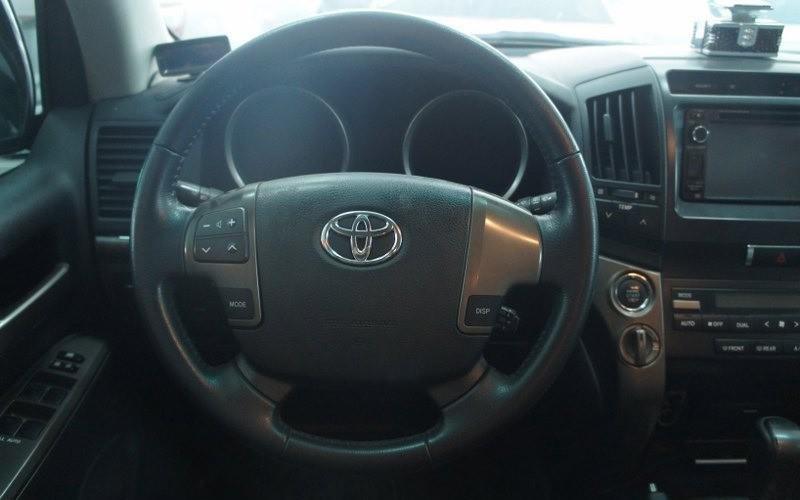 Cần bán lại xe Toyota Land Cruiser đời 2009, màu bạc-4