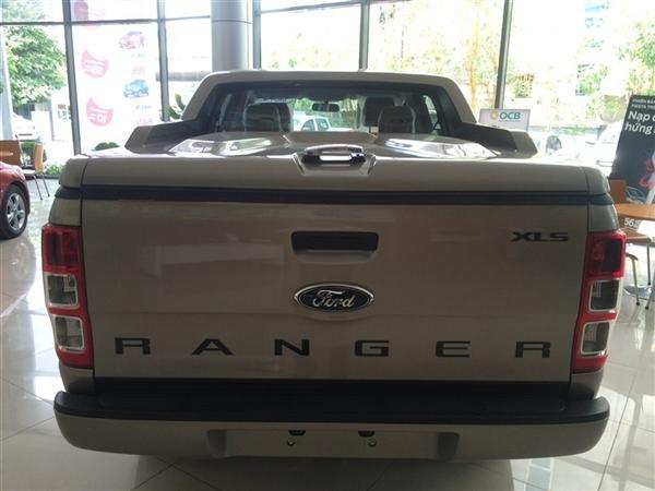 Cần bán xe Ford Ranger đời 2015, màu bạc, nhập khẩu, giá 632tr-4