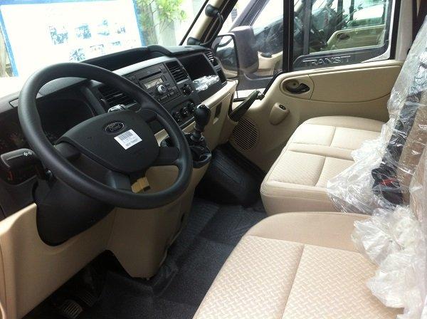 Cần bán Ford Transit đời 2015, màu bạc, giá 815 triệu-4