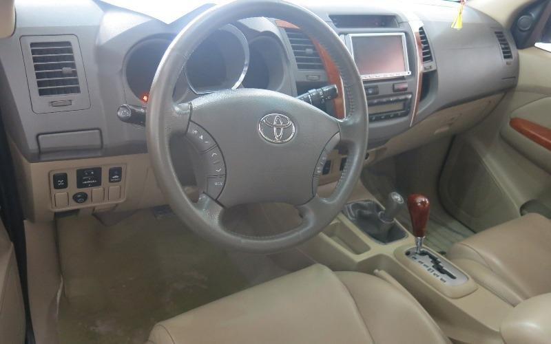 Cần bán gấp Toyota Fortuner đời 2009, màu đen-4