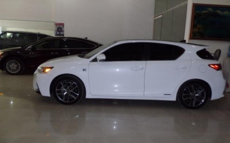 Cần bán xe Lexus CT đời 2014, màu trắng, xe nhập-2