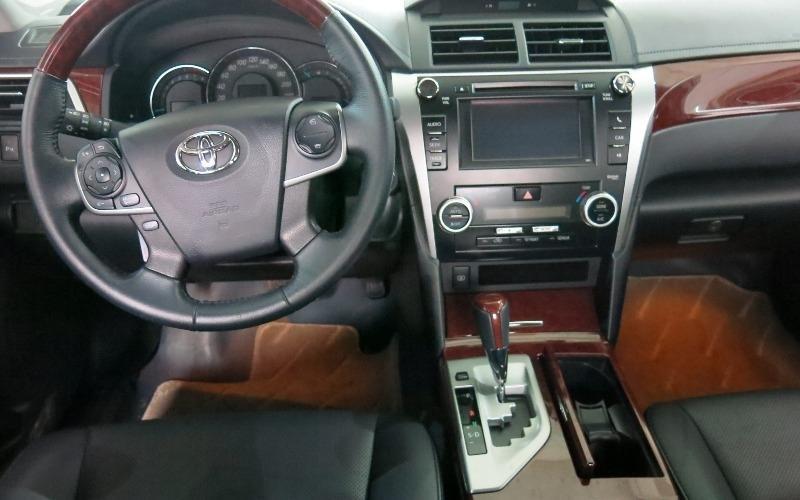 Toyota Camry năm 2013, màu đen, như mới-6
