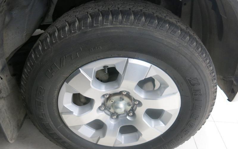Bán xe Chevrolet Colorado năm 2013, màu bạc-2