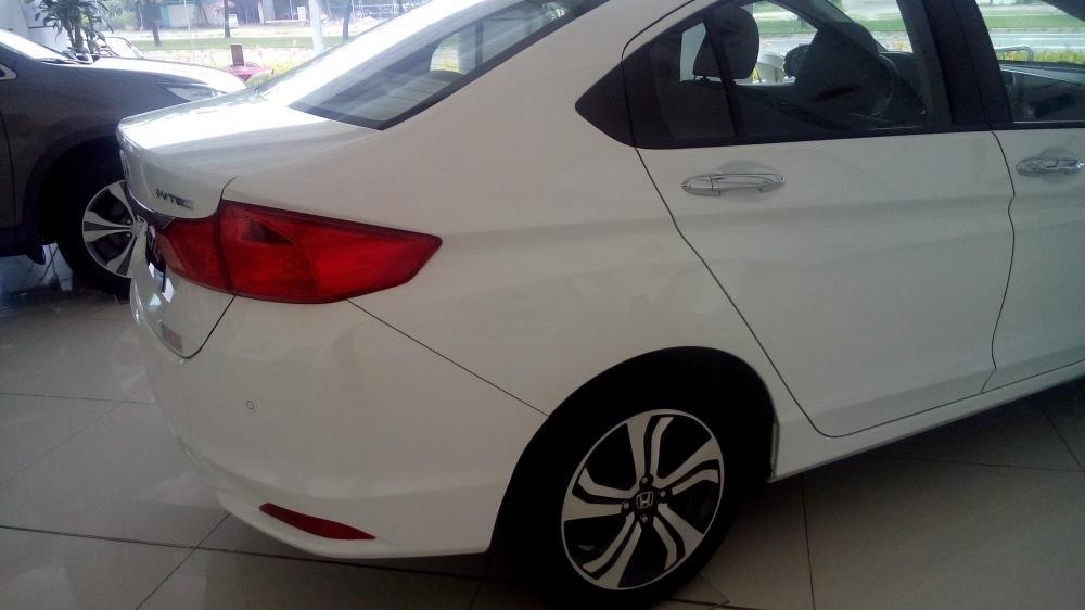 Cần bán Honda City đời 2015, màu trắng, xe đẹp-2