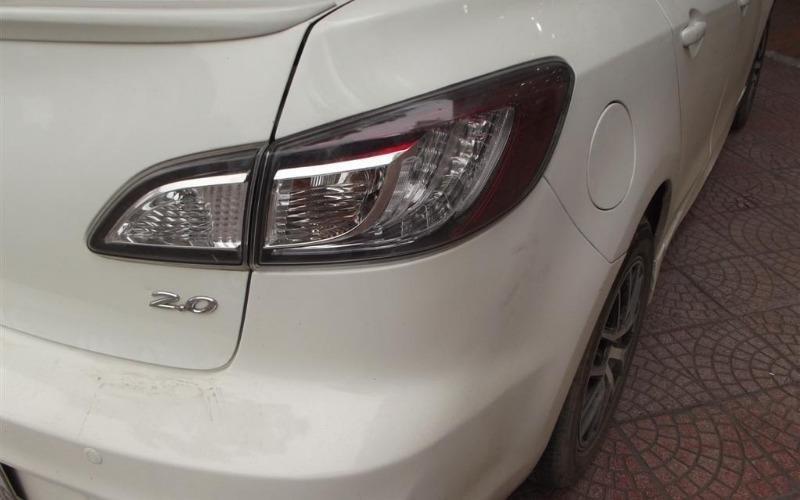 Nam Chung Auto cần bán Mazda 2 năm 2010, màu trắng, nhập khẩu-4