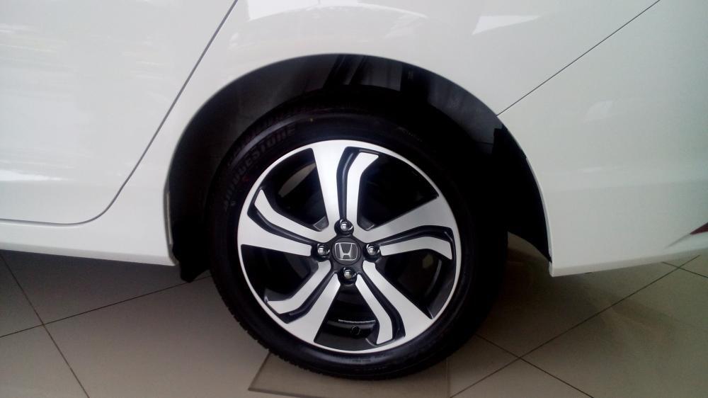 Cần bán Honda City đời 2015, màu trắng, xe đẹp-6