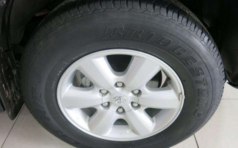 Cần bán gấp Toyota Fortuner đời 2009, màu đen-2