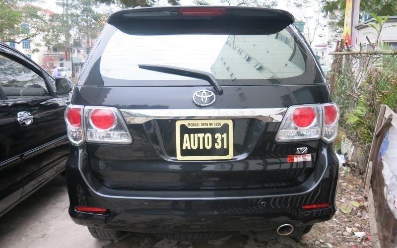 Cần bán lại xe Toyota Fortuner đời 2013, màu đen -5