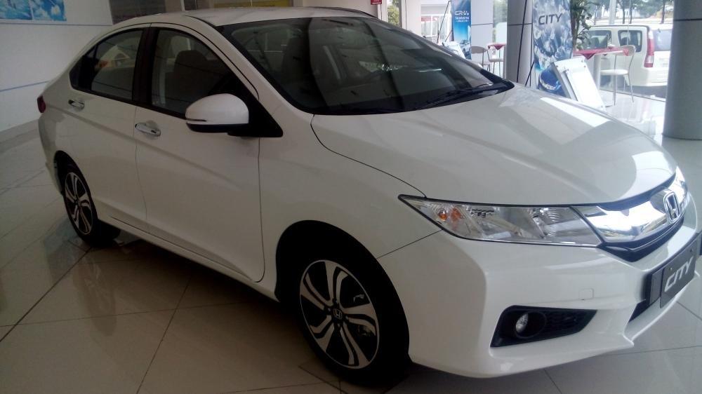 Cần bán Honda City đời 2015, màu trắng, xe đẹp-1