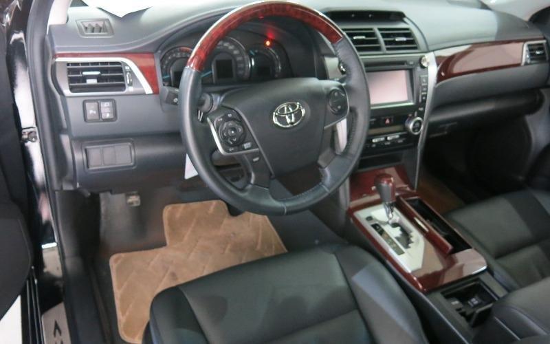 Toyota Camry năm 2013, màu đen, như mới-3