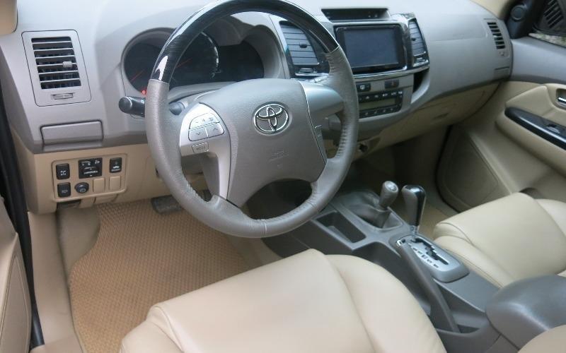 Cần bán lại xe Toyota Fortuner đời 2013, màu đen -3