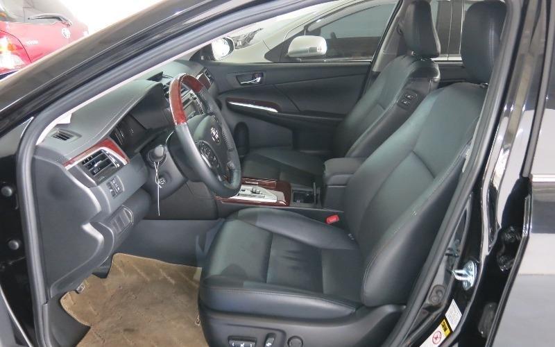 Toyota Camry năm 2013, màu đen, như mới-4