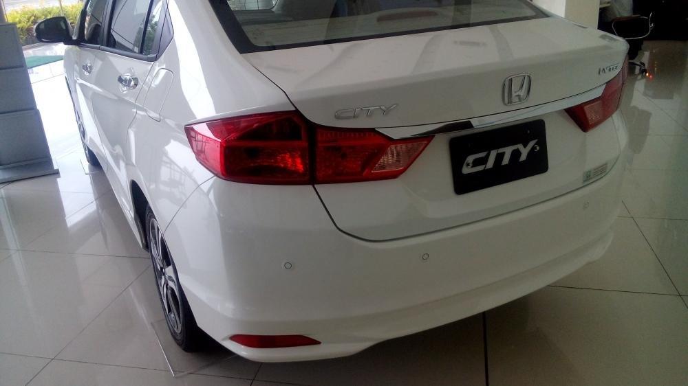 Cần bán Honda City đời 2015, màu trắng, xe đẹp-5