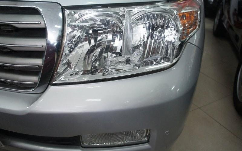 Cần bán lại xe Toyota Land Cruiser đời 2009, màu bạc-2