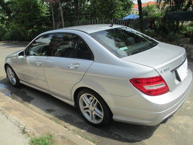 Bán Mercedes C300 đời 2013, màu bạc, số tự động-5