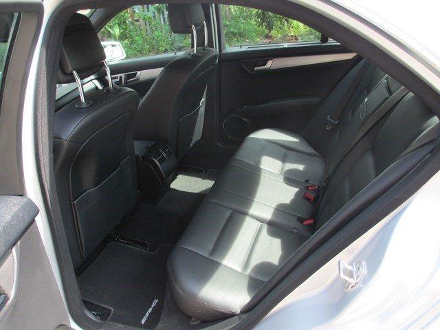 Bán Mercedes C300 đời 2013, màu bạc, số tự động-6