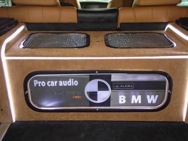 Bán BMW X6 cũ màu trắng, nhập khẩu nguyên chiếc-7