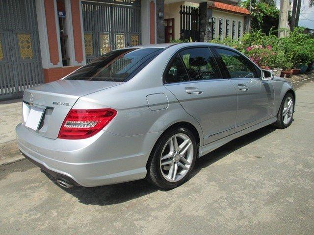 Bán Mercedes C300 đời 2013, màu bạc, số tự động-2