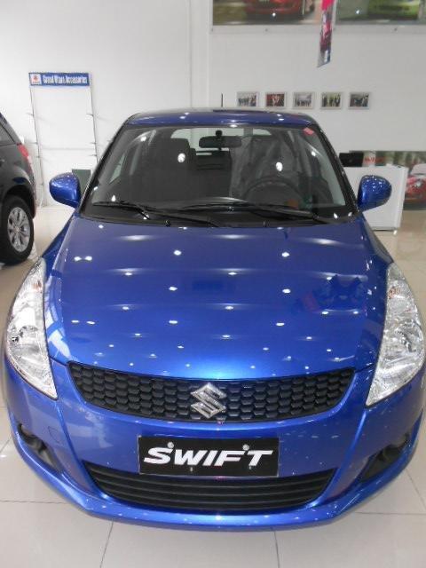 Cần bán xe Suzuki Swift đời 2015, màu đỏ-6